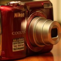 Wideotest: Nikon Coolpix L26  najłatwiejszy w obsłudze kompakt na paluszki?
