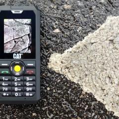 CAT B30  wideotest telefonu, któremu nie straszne woda, wstrząsy i niskie temperatury