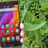 Wideotest Xiaomi Mi6. Niedrogi smartfon, który rywalizuje z najlepszymi
